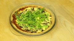 Pie with mushrooms and arugula Stock Footage