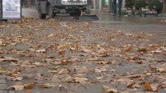 Leaf collector - leaf collection vehicle 3 nologos Stock Footage