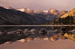 USA, California, Eastern Sierra Nevada, Lower Twin Lake and Sawtooth Range - stock photo