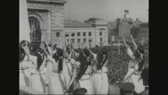 Women paying tribute to civil war veterans Stock Footage