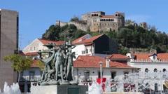 Castelo de Leiria e Fonte Luminosa Stock Footage