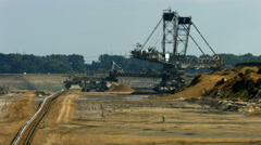 Tagebau Aldenhoven: bucket-wheel excavator in a lignite mine - stock footage