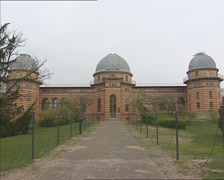 Michelson-House on the Telegrafenberg, Potsdam + pan - hold Stock Footage