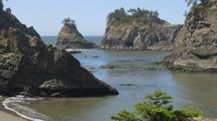 Secret Beach, Southern Oregon coast (zoom out) Stock Footage