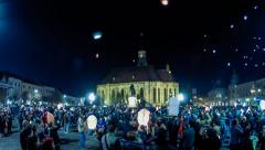 Time lapse of thousands of balloons released in the center of Cluj Stock Footage