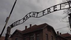 """Auschwitz """"Arbeit Macht Frei"""" Arkistovideo"""