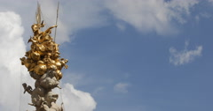 UHD 4K Pestsaule Plague Column Graben Vienna Golden Sculpture Angel Gold Statues Stock Footage