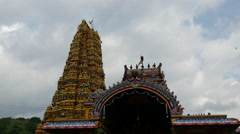 Tilt from the Sri Muthumariamman Thevasthanam hindu tempel in sri lanka Stock Footage