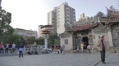 Longshan Temple - full pan front courtyard Stock Footage