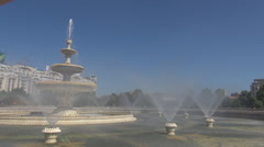 Biggest water fountain in the middle of city, great symbol architecture, summer Stock Footage
