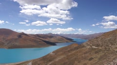 Yamdrok tso lake in Tibet Stock Footage