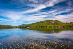 Early autumn color at north pond, near belfast, maine. Stock Photos