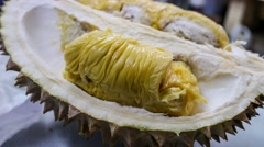 4k UHD time lapse video on eating Maoshan Wang (pricey species) durian Stock Footage