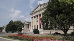 Szépművészeti Múzeum (Museum of Fine Arts), Heroes Square Hosok Tere, Budapest, Stock Footage