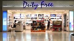 Duty free store in the Suvarnabhumi Airport. Bangkok, Thailand Stock Footage