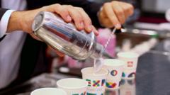 Caffe shakerato Stock Footage