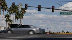 Red Light Semaphore Las Vegas Strip Boulevard Establishing Shot Cars Traffic Day Stock Footage
