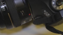 Macro shot - changing lens setting from automatic to manual Stock Footage