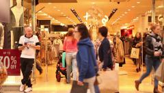 Time lapse people shopping during christmas sales Stock Footage