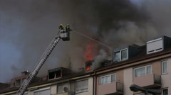 House on Fire fighter accident building on fire smoky smoke Arkistovideo