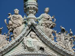 Venice - fine architectural details from the upper facade of the cathedral of Kuvituskuvat