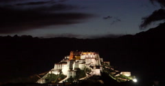 4k time lapse cloud mass rolling over Potala in Lhasa,Tibet at night. Stock Footage