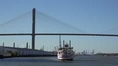 Savannah riverboat and talmadge bridge, georgia queen, savannah, ga, usa Stock Footage