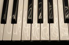 Piano keys long exposure Kuvituskuvat