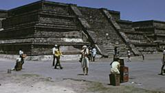 Teotihuacan 1973: people visiting pyramides Stock Footage
