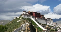 4k Potala in Lhasa,Tibet,white puffy cloud mass in the blue sky. Stock Footage