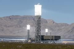 Ivanpah power tower heat shimmers Stock Photos