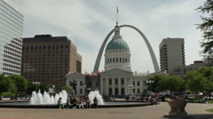 Stock Video Footage of St Louis - Gateway Arch and Courthouse - Kiener Plaza