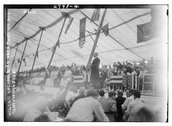 Wilson speaking to Vets in big tent - Gettysburg Stock Photos