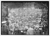 Crowd at Gaynor funeral Stock Photos