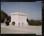 Sailor and girl at the Tomb of the Unknown Soldier, Washington, D.C. Stock Photos