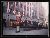 United Nations exhibit by OWI in Rockefeller Plaza, New York, N.Y Stock Photos
