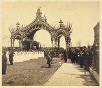 Arch at Twelfth St., Chicago, President Abraham Lincoln's hearse and young la Stock Photos