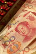 Chinese yuan notes with abacus Stock Photos