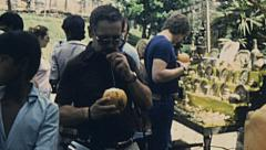 Sri Lanka 1982: woman selling fruit to tourists Stock Footage