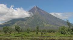 Vulcano Mount Mayon, Legazpi, Philippines Stock Footage