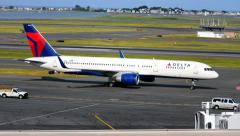 Delta Airlines Boeing 757 arrival at Airport Stock Footage
