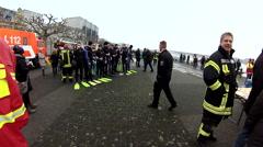 Abschwimmen Feuerwehr Mainz Stock Footage