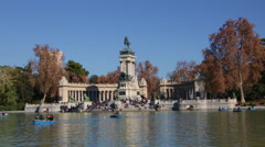 Lake In Retiro Park Front Monument To Alfonso XII In Madrid, Spain Stock Footage