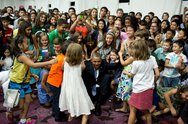 April 28, 2014 'Help me up!', the President beckoned after posing for a photo Stock Photos