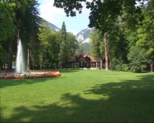 Spouting fountain in Kurpark Reichenau, Austria Stock Footage