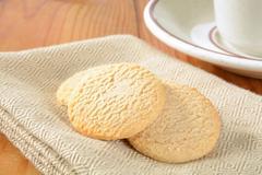 Lemon snap cookies Stock Photos
