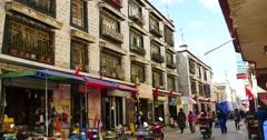 4k tibetan & tourist walking on famous barkhor street in lhasa,tibet,butter. Stock Footage