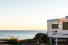 Rv motorhome camping in winter on coast of California Kuvituskuvat