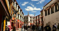 4k tibetan & tourist walking on famous barkhor street in lhasa,tibet,butter. Stock Footage