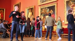Visitors in Rubens Hall at building of New Hermitage. Stock Footage